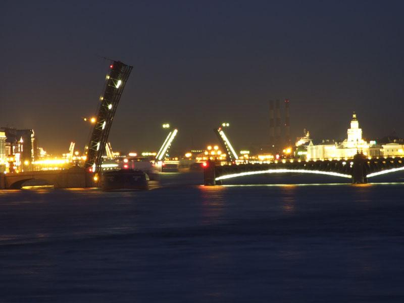 Вид с Литейного моста