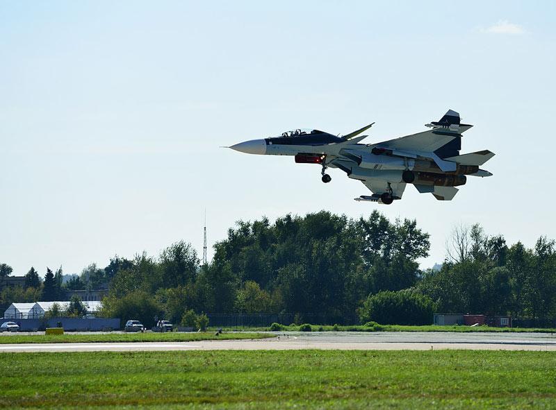 Су-30СМ. Посадка. Авиашоу 54.