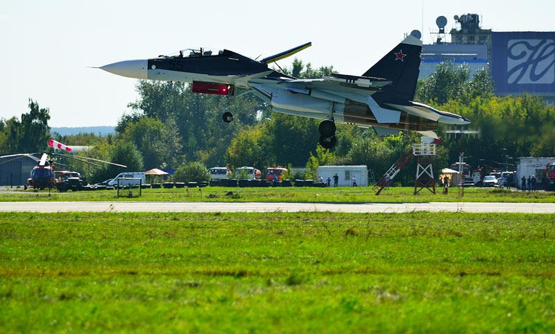 Су-30СМ. Посадка.Авиашоу 57.