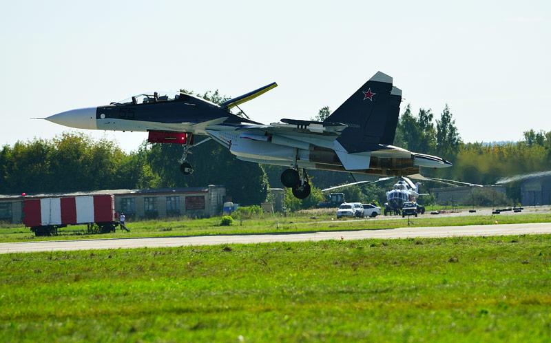 Су-30СМ. Посадка. Авиашоу 58.