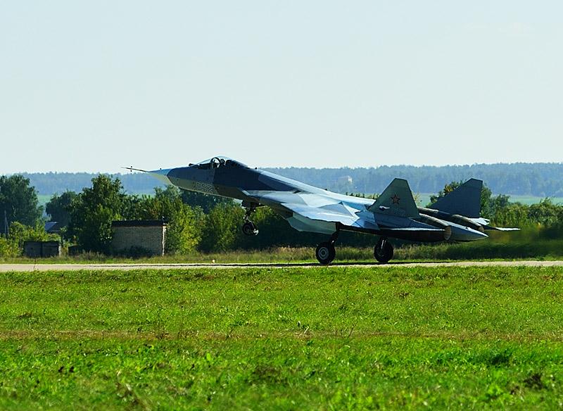 Т-50 ПАК ФА. Взлёт. МАКС-2013. Авиашоу 42.
