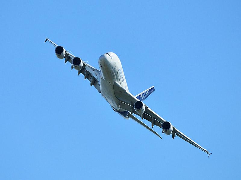 Аэробус А-380 в полёте. МАКС-2013. Авиашоу 86.