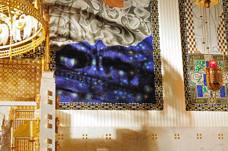 Kirche am Steinhof. Фрагмент мозаики за алтарем.