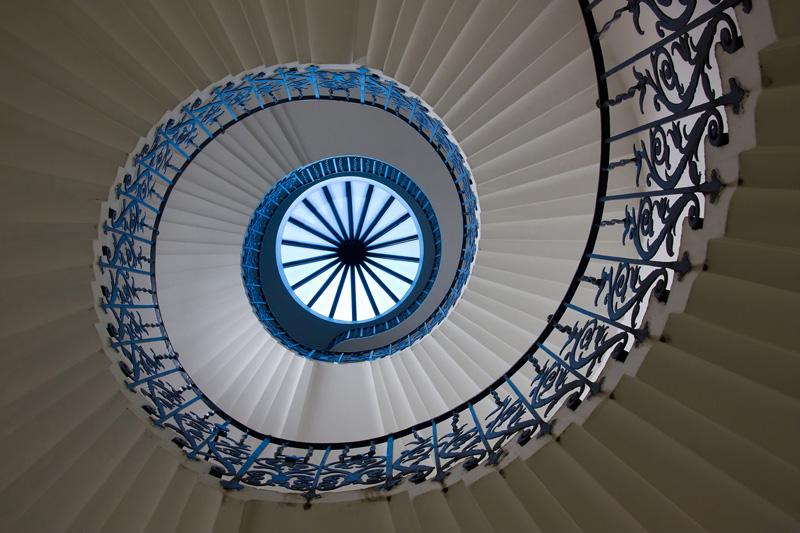 44 Лестница