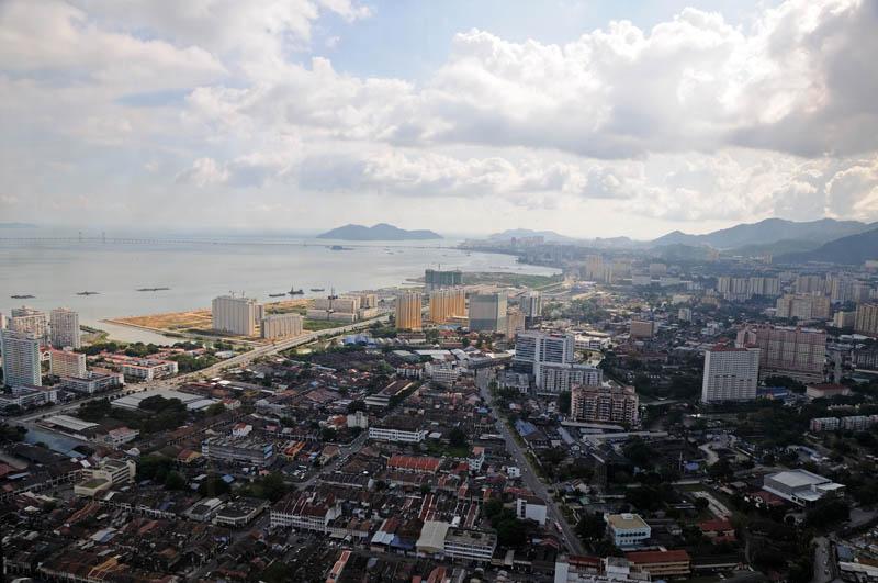 Пенанг. Вид с башни Комтар. Penang from the Komtar.