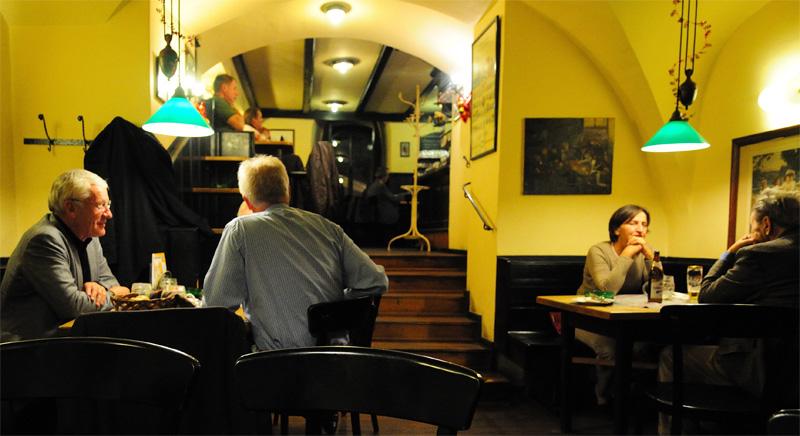 Вена. Пивной ресторан Бирклиник. Gosser Bierklinik. 9