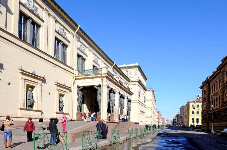 Санкт-Петербург. улица Миллионная. 6.