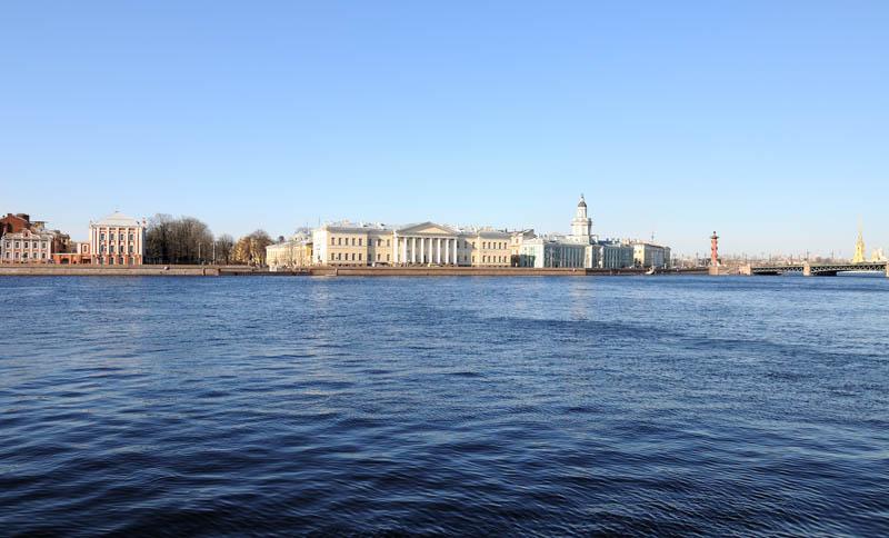 Санкт-Петербург. Вид на В.О. от памятника Петру I. 15.