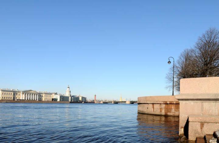 Санкт-Петербург. Вид на В.О. от памятника Петру I. 17.