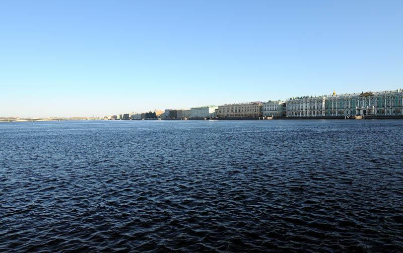 Санкт-Петербург. Вид со стрелки В.О. на Дворцовую набережную. 21.