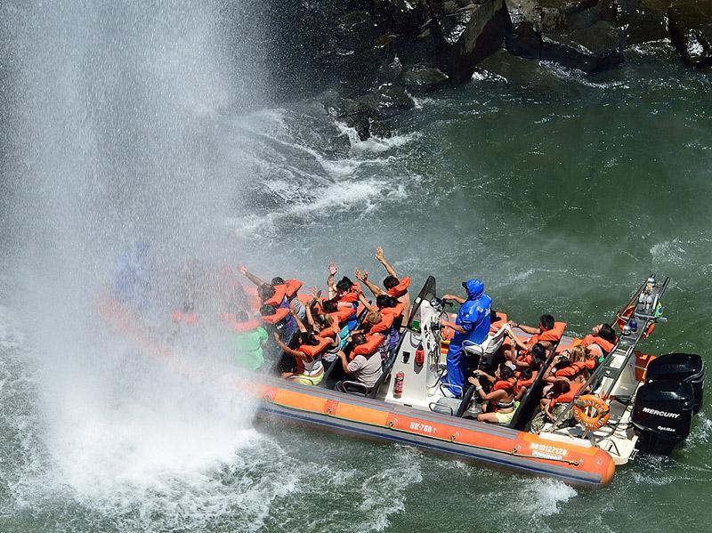 Водопады Игуасу. Тур на лодке. Brasil. Iguacu Falls. Boat Trip. 8