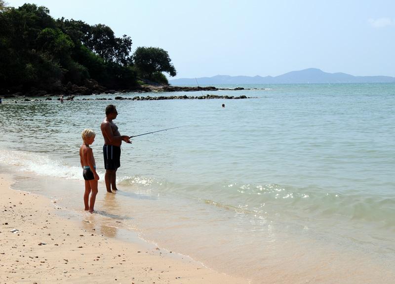 Паттайя. Рыбалка на пляже. 73