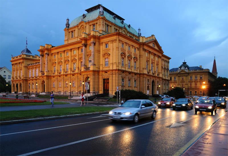Вечерний Загреб. Театр. Zagreb. 66