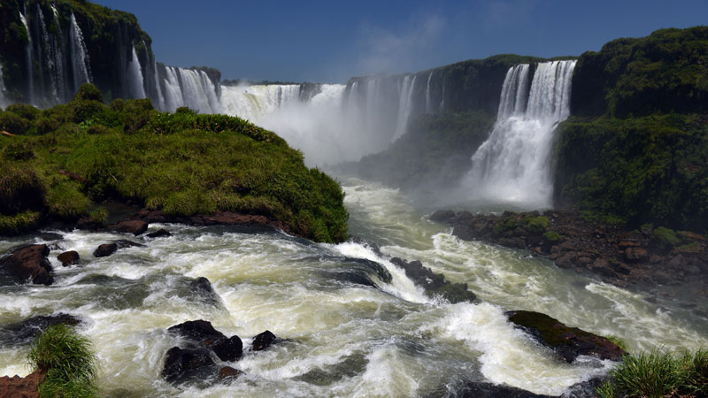 Бразилия. Водопады Игуасу. Brasil. Iguacu Falls. 95