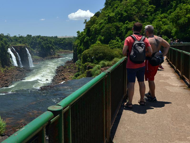 Бразилия. Водопады Игуасу. Brasil. Iguacu Waterfalls. 97