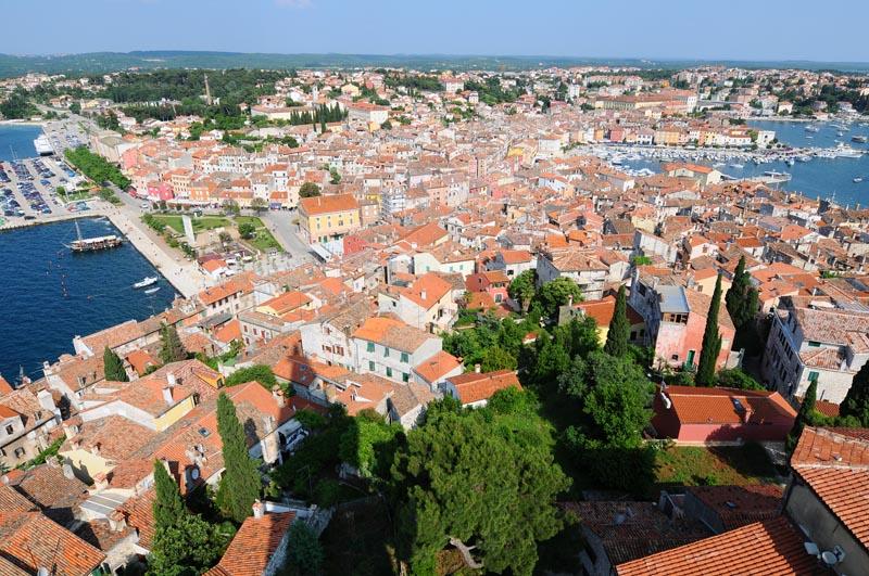 Фото 38. Ровинь. Крыши старого города с колокольни. Rovinj. Croatia.