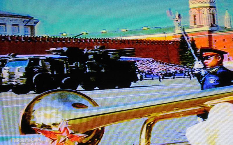 Парад 9 мая 2010. ИСО1600, ..., 1/320.