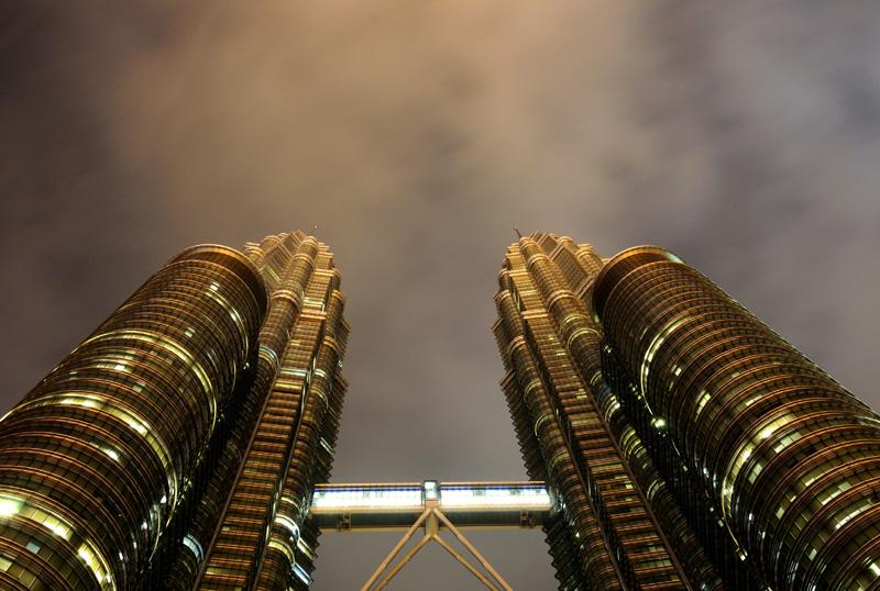 Петронасы ночью без подсветки. Night Petronas. 43