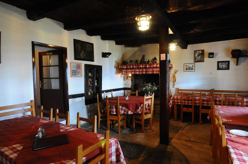 Хум. Ресторан. Хорватия. Hum. Croatia