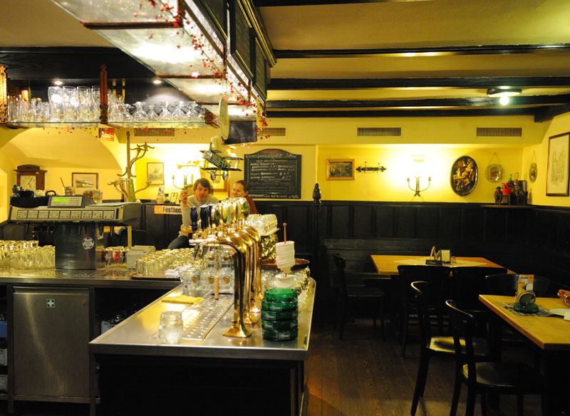Вена. Пивной ресторан Бирклиник. Gosser Bierklinik. 6