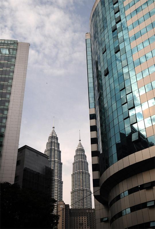 Петронасы. Вид из отеля Crowne Plaza. Petronas. 25