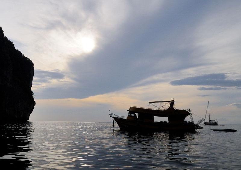 Пи-Пи Ле. Идём на лодке с острова Пи-Пи Дон. 154