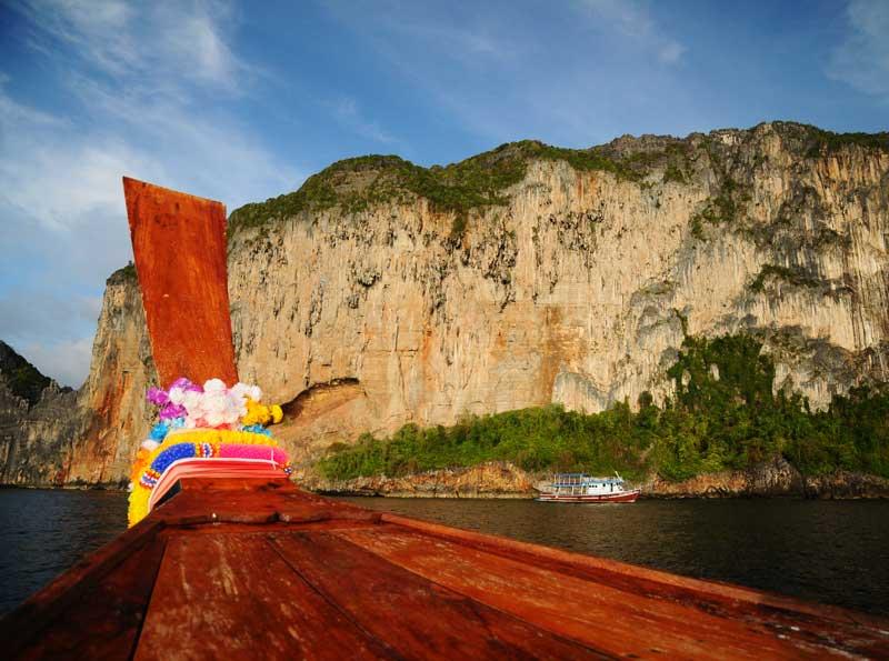 Пи-Пи Ле. Идём на лодке с острова Пи-Пи Дон. 168