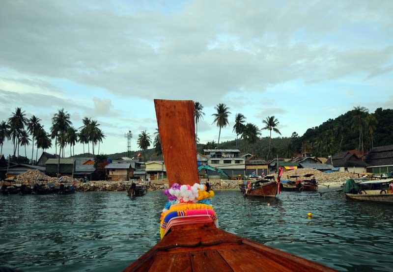 Пи-Пи Ле. Идём на лодке с острова Пи-Пи Дон. 184