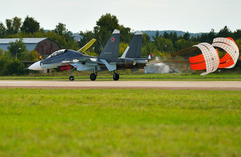 Су-30СМ. Посадка. МАКС-2013. Авиашоу 47.