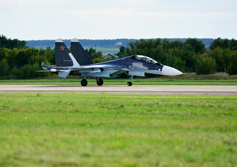 Су-30СМ. Посадка. МАКС-2013. Авиашоу 49.