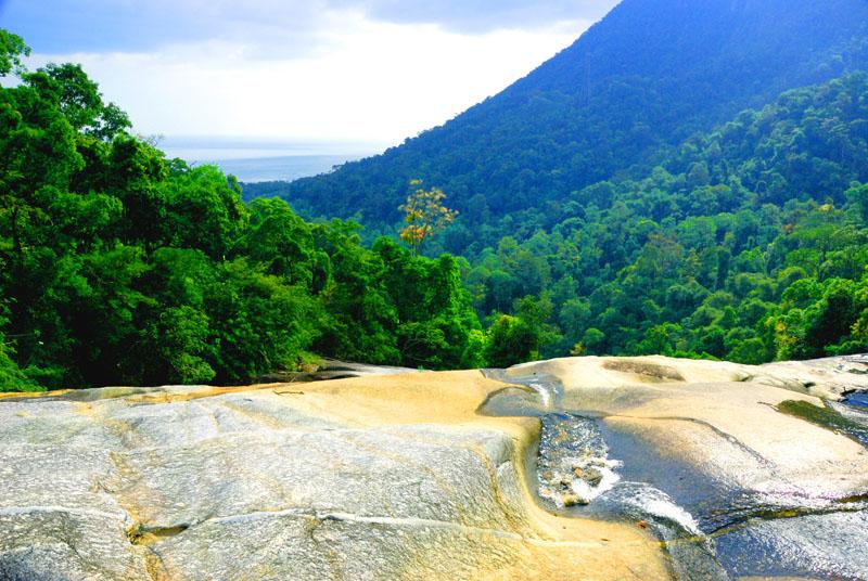 Лангкави. Водопады. Лестница. Langkawi. Waterfall.