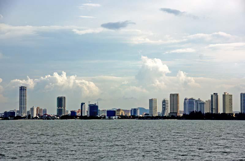 Пенанг. Джорджтаун. Вид с моря. Penang from the Sea.
