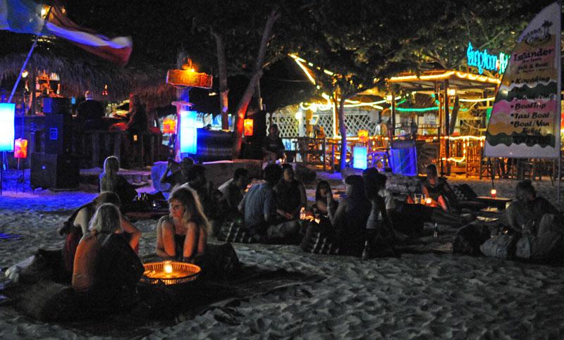 Ко Липе. Пляж Паттайя ночью. Koh Lipe. Night Pattaya Beach. 155