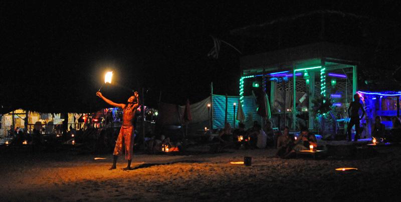 Ко Липе. Пляж Паттайя ночью. Koh Lipe. Night Pattaya Beach. 157