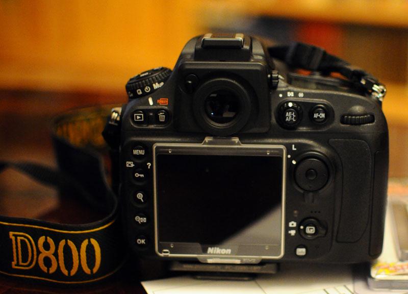 Nikon D800. Защита дисплея.