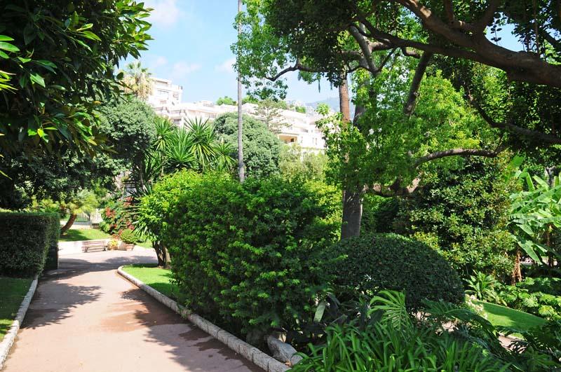 Монако. Парк перед казино. Monaco. Фото 22.