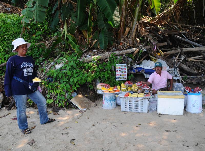 Паттайя. Еда на пляже. Pattaya. 58