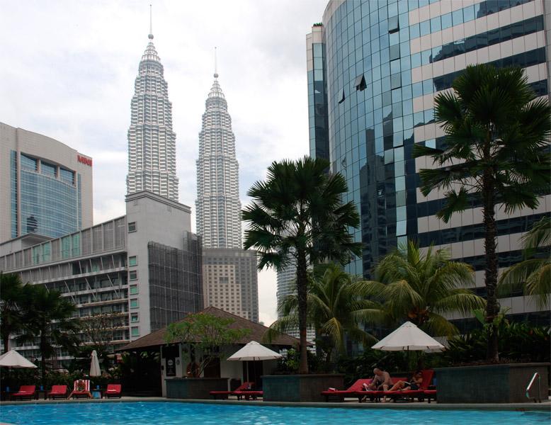 Петронасы. Вид из отеля Crowne Plaza. Petronas. 14