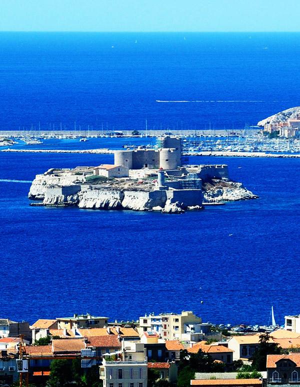 Вид на замок ИФ 11. Марсель.